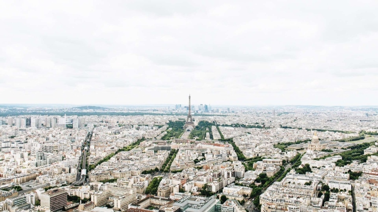 The view from La Tour Montparnasse, which is the highest place on our list of ideas of places to take a picture of the Eiffel Tower