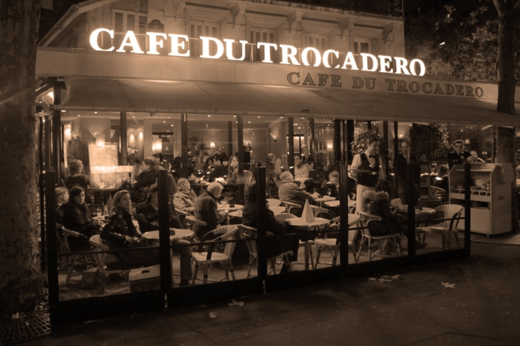 The patio at Café du Trocadéro, a restaurant with an Eiffel Tower view