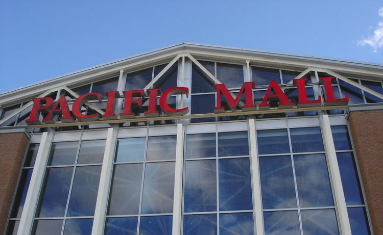 Shopping at the Pacific Mall is one of the things you can do in Toronto on Christmas Day