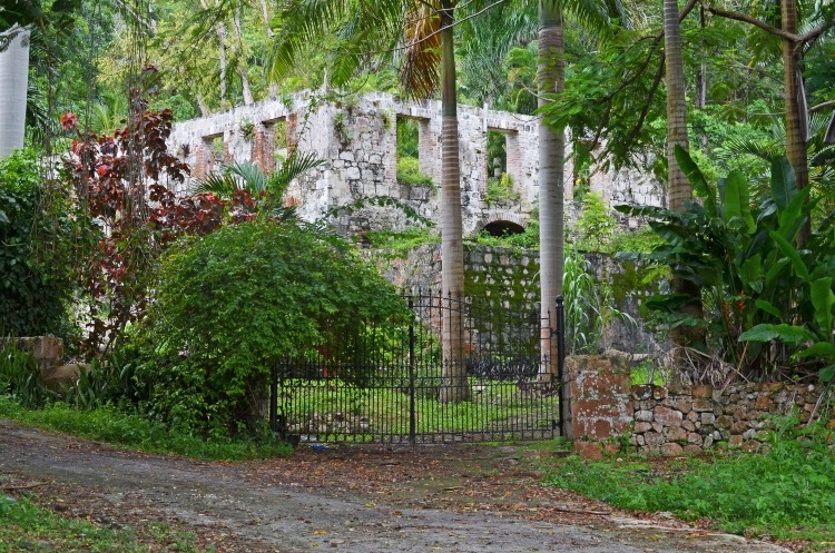 Facts About Jamaica - Plantation house ruins near Montego Bay